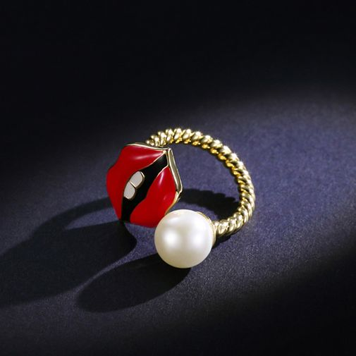 Pearl and Red Lips Wrap Ring
