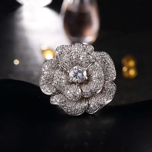Exaggerated Blooming Rose Ring