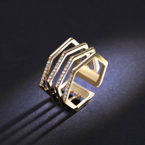 Curving Staggered Four-Row Open Finger Ring