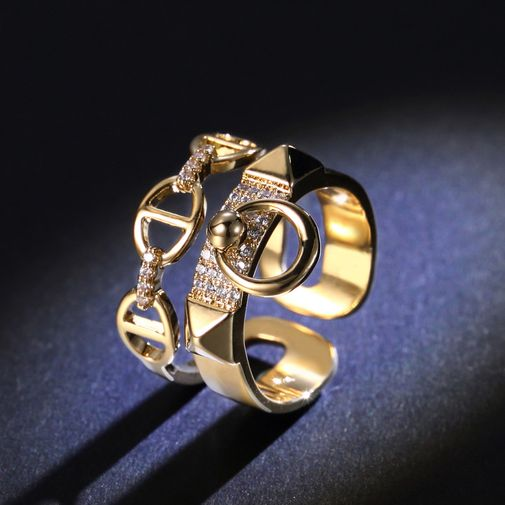 Double Layers Ring with Riveted Loops and Chain Hoop