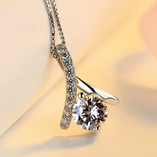 Diamond Setting Finger-Heart Pendant with White Gold Plated