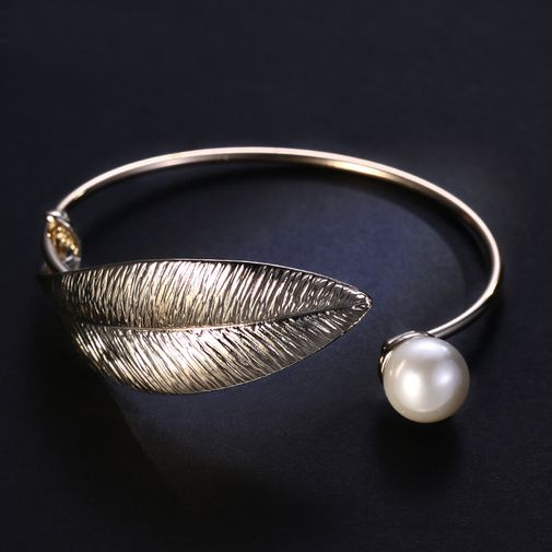 Stylish Gold Tone Open Bracelet 'Leaf and Pearl'