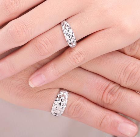 Shimmering Triangular Carving Dome Anniversary Ring Set Size Adjustable